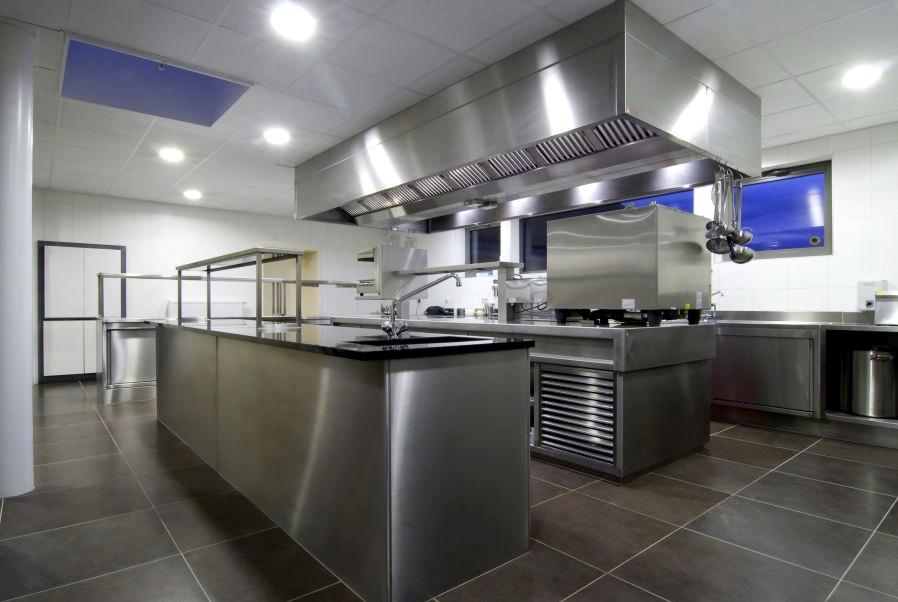 Horeca keuken inrichten: rvs keuken maatwerk kampri grootkeukens